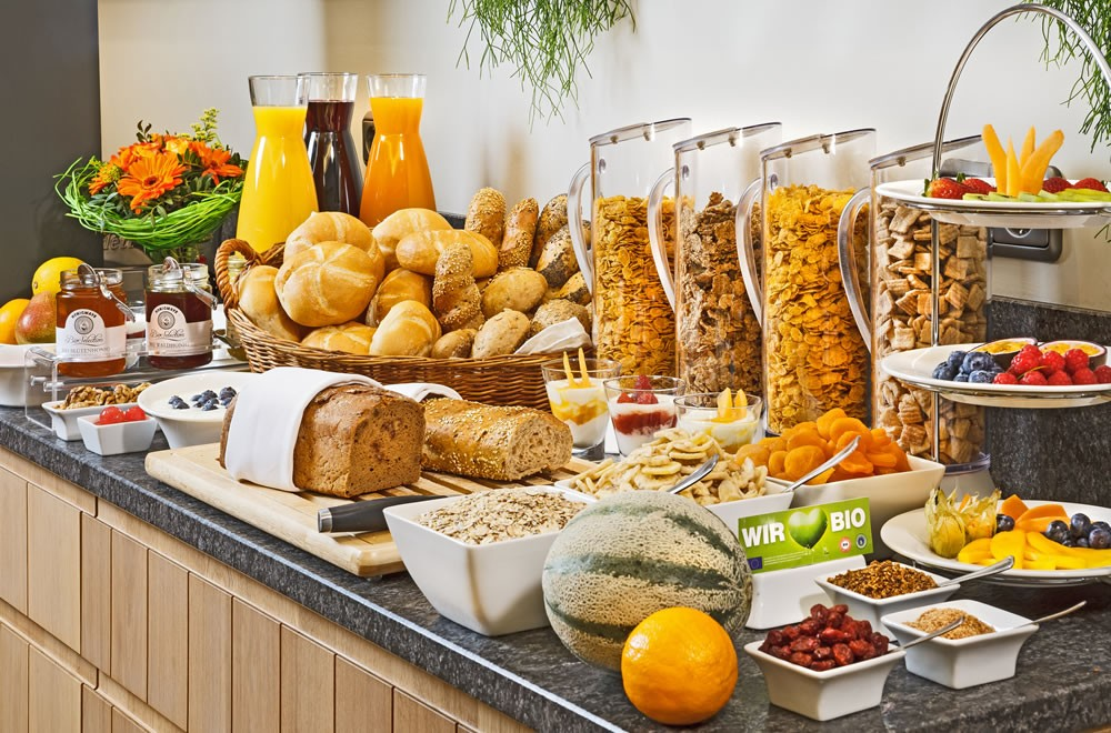 How To Set Up Party Food Table